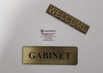 grawerowane tabliczki na drzwiowe