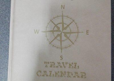 grawerowany kalendarz (travel)