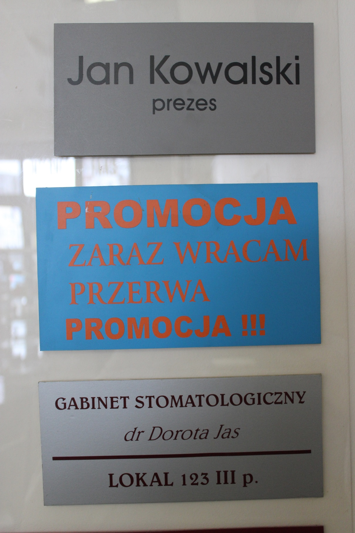 tabliczki informacyjne